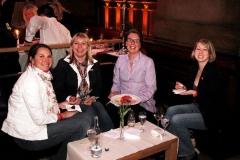 02-40-klFinal4_2010_Vieten_Party_3910