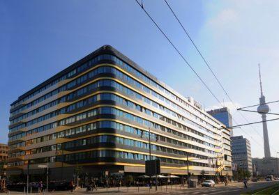 aussenansicht-tag-04-h4-hotel-berlin-alexanderplatz-1730×1191